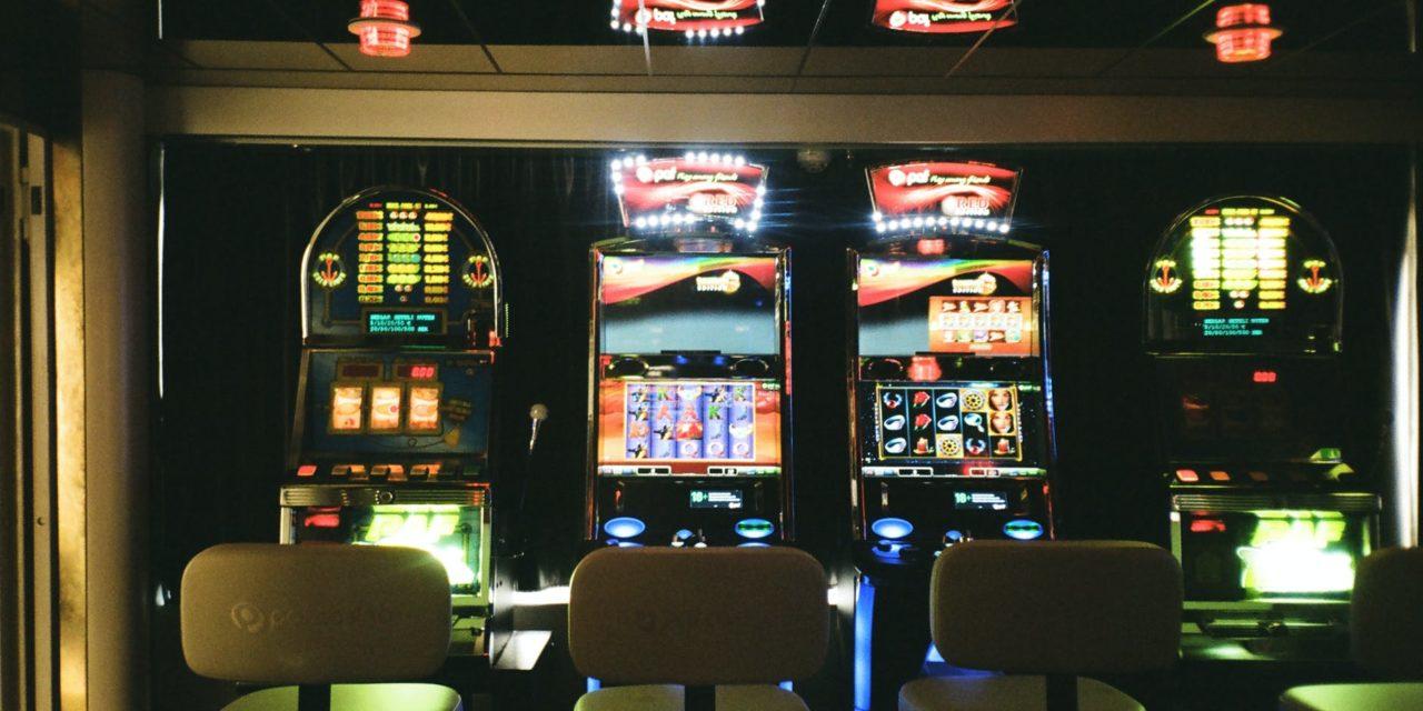How to Make Money Through Online Casino Games?
