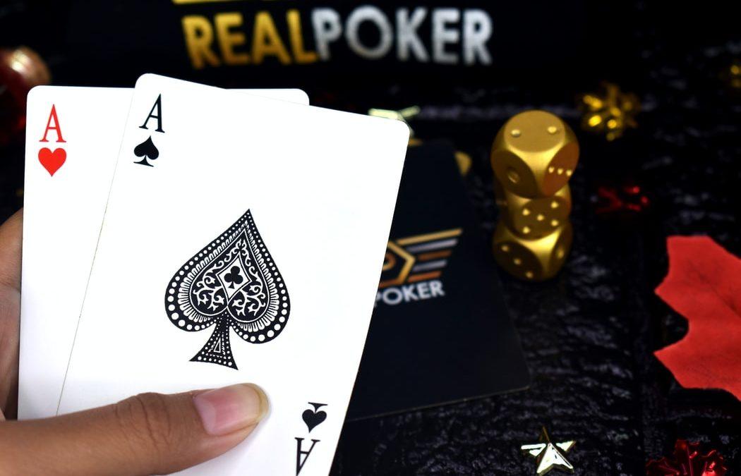 Advantages to Online Poker